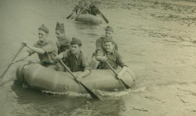Marche-les Dames en 1950: Exercices nautiques. Albert034-125625f
