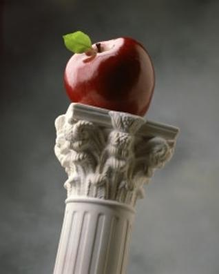 belle-colonne-belle-pomme-rouge-flora